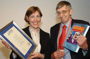 Libby Sheridan of Hill's Pet Nutrition (left) presents the Amoroso Award to Professor Geoff Pearson