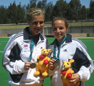 Georgie Twigg and Philippa Newton with their gold medals