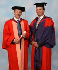 Professor Geoffrey Parker receives his honorary degree from Professor Innes Cuthill
