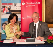 Ana Botin, Chief Executive of Sandander UK, and Vice-Chancellor Eric Thomas sign the agreement