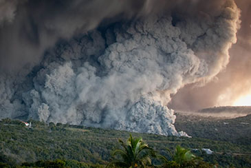 Image of an ashcloud from the Montserrat volcano