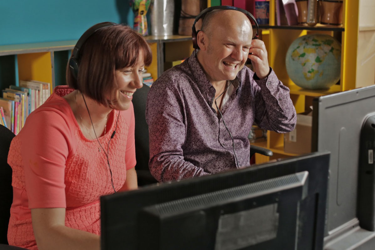 Professor Paul Howard-Jones and Dr Elizabeth Kilbey during the filming of The Secret Life of Four-Year-Olds.
